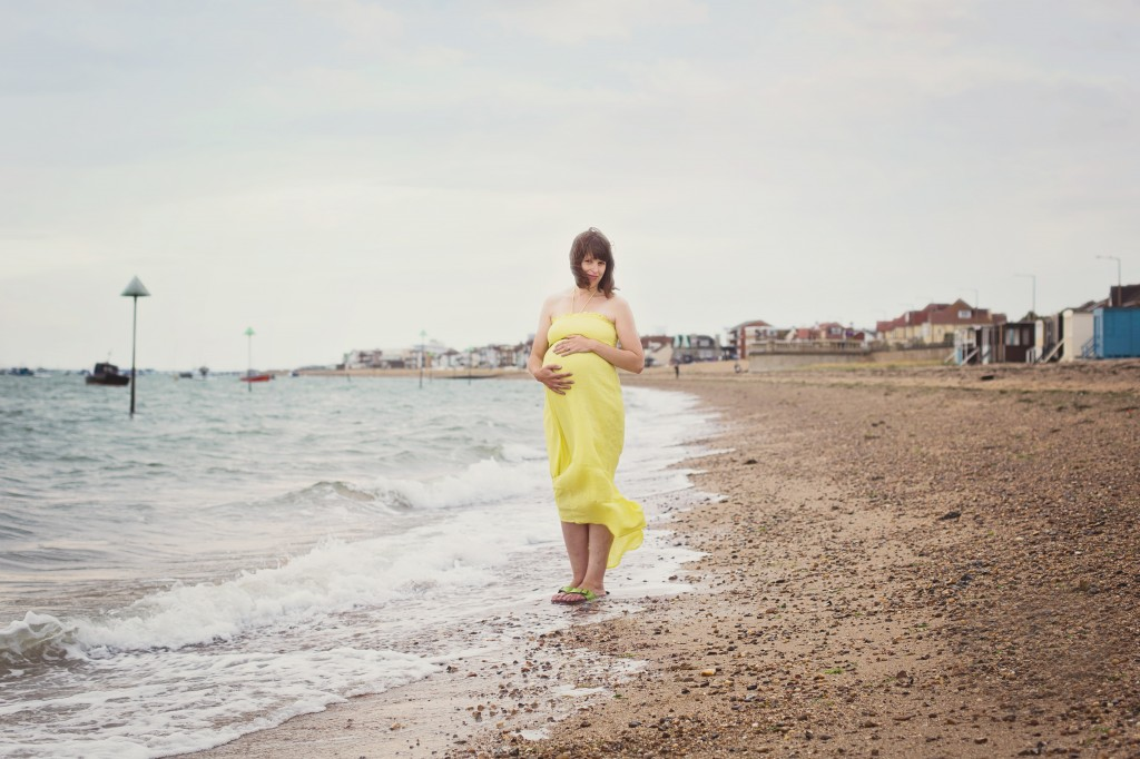 crafts on sea maternity photos