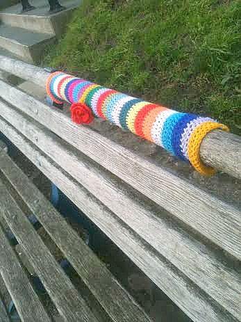 southend yarn bombing bench