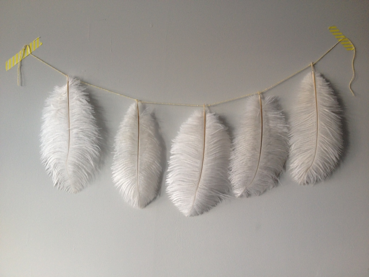 feather garland crafts on sea