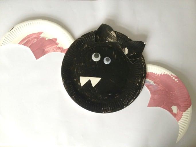 bat paper plate for preschoolers